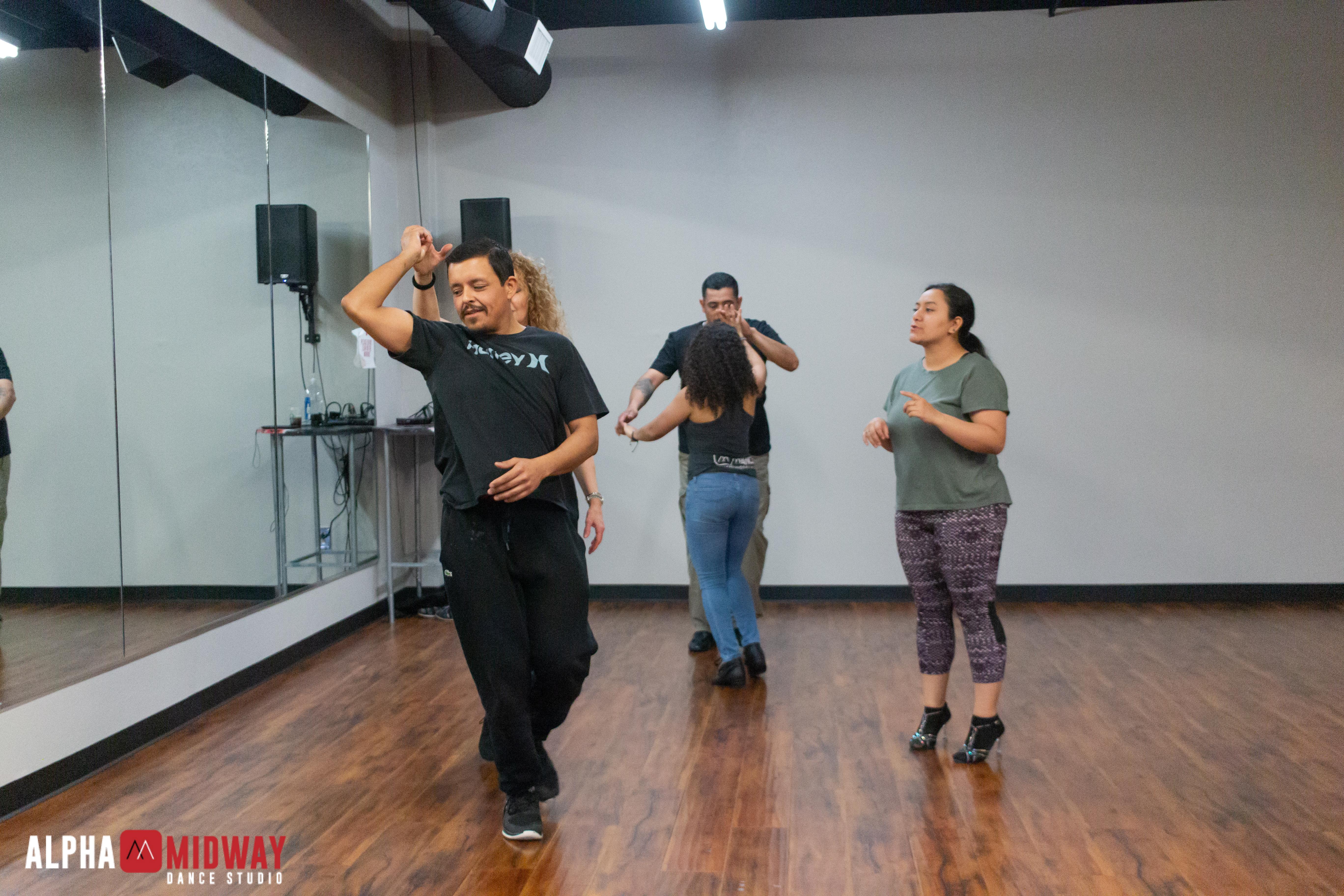 alpha-midway-dance-studio-arlington-salsa-and-bachata-27